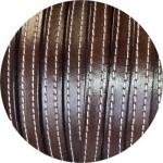 Cuir plat 10mm cappuccinno avec coutures vendu au metre